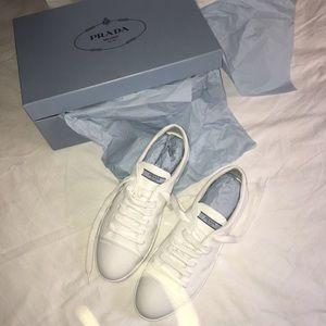Prada White Sneakers (Calzature Vernice)